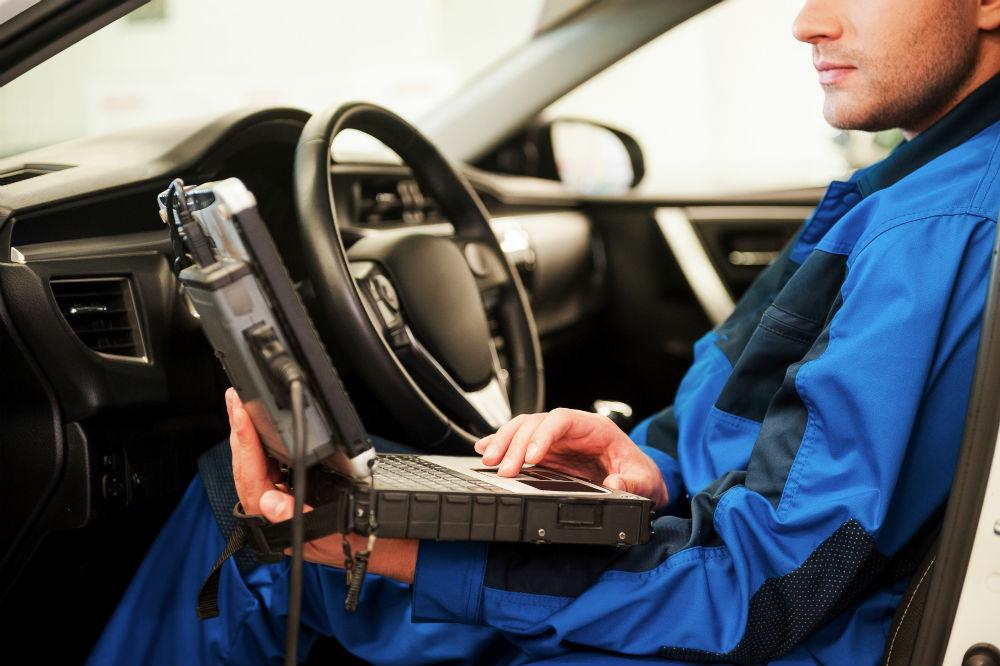La révision et l'entretien d'une voiture Peugeot
